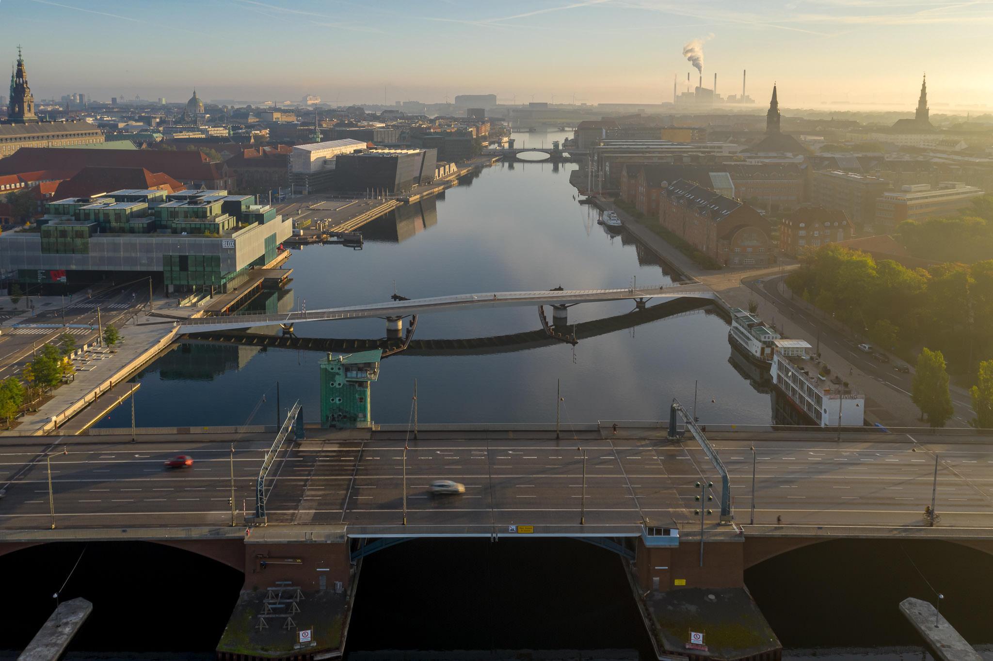 Luftfoto af Langebro, København