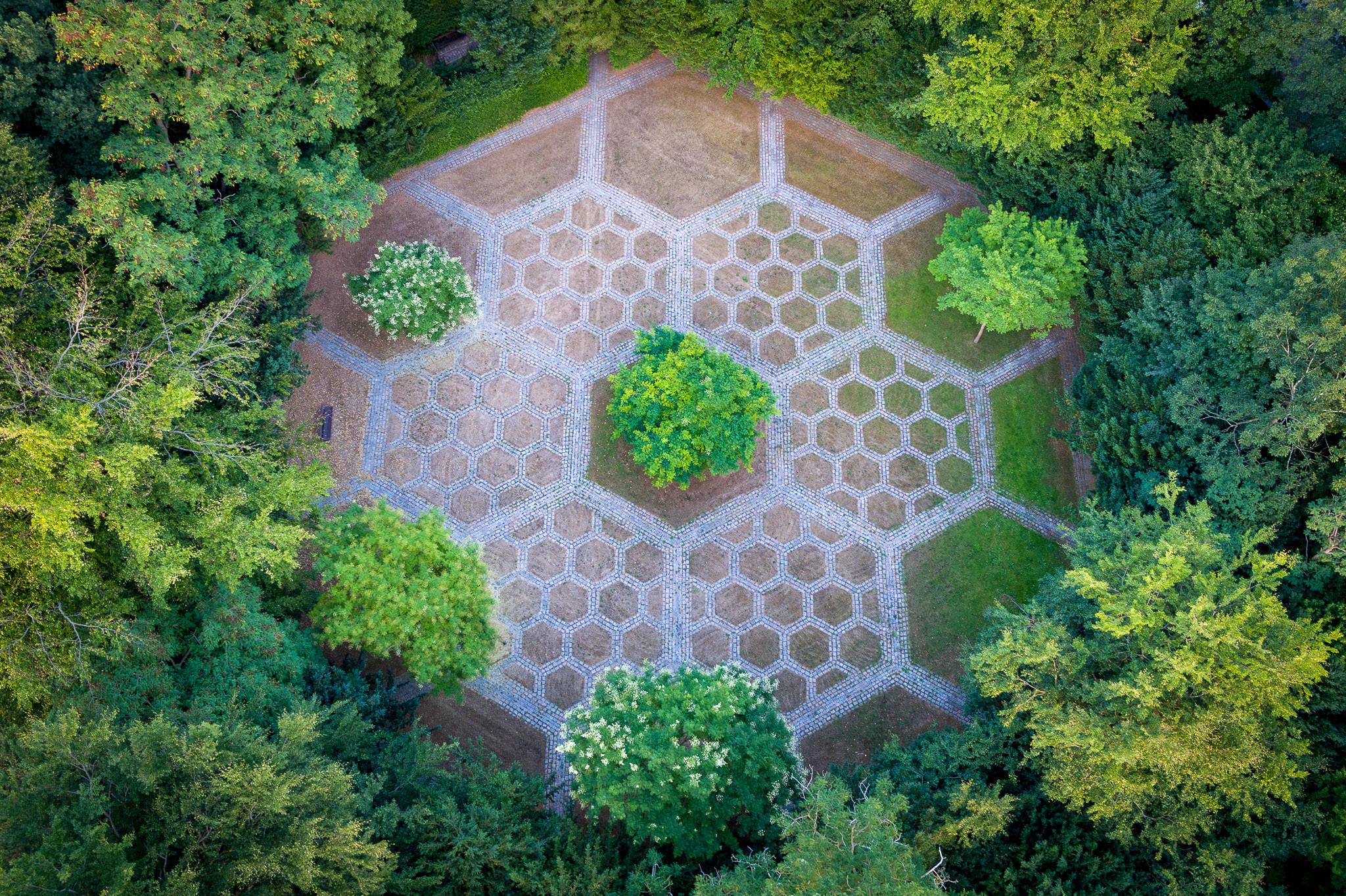 Luftfoto af Mariebjerg Kirkegård